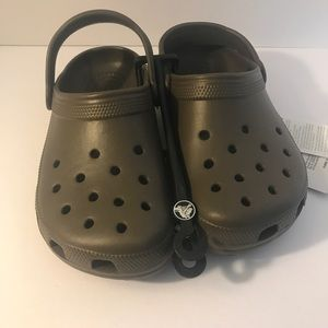 NWT- kids crocs